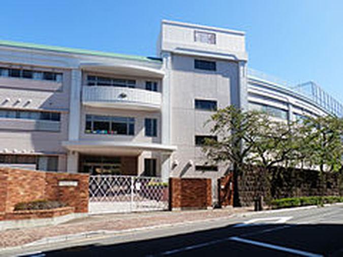東京女学館